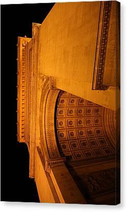 Paris France - Arc De Triomphe - 01132 Canvas Print by DC Photographer