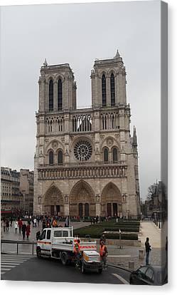 Paris France - Notre Dame De Paris - 011312 Canvas Print by DC Photographer