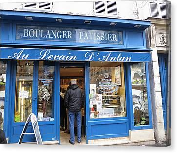 Paris France - Street Scenes - 121211 Canvas Print by DC Photographer