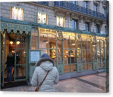 Paris France - Street Scenes - 12126 Canvas Print by DC Photographer