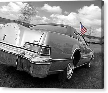 Patriotic Lincoln Continental 1976 Canvas Print by Gill Billington