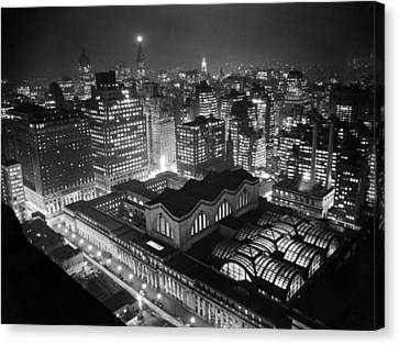 Pennsylvania Station At Night Canvas Print by Underwood Archives