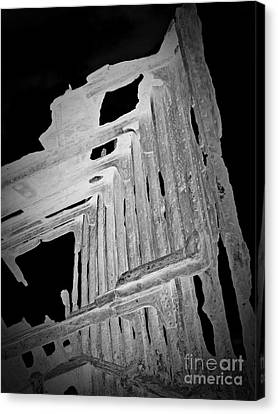 Peter Iredale Reverse Bw 6 Canvas Print by Chalet Roome-Rigdon