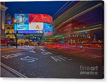Piccadilly Circus Canvas Print by Pete Reynolds