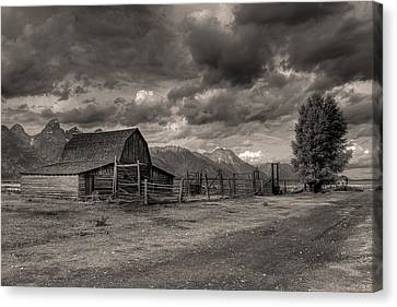 Pioneer Barn D9369 Canvas Print by Wes and Dotty Weber