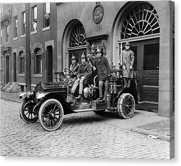 Pittsburgh Fire Truck Canvas Print by Underwood Archives
