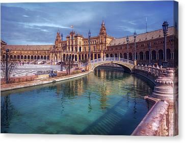 Plaza De Espana Seville II Canvas Print by Joan Carroll
