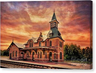 Point Of Rocks Train Station  Canvas Print by Lois Bryan