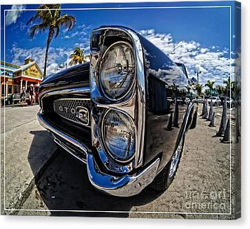 Pontiac Gto Convertible Ft Myers Beach Florida Canvas Print by Edward Fielding