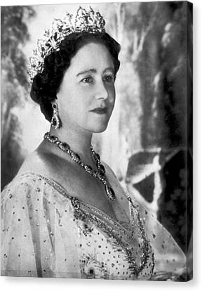 Portrait Of The Queen Mother Canvas Print by Underwood Archives