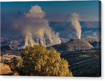 Potlatch Lumber Mill In Operation Canvas Print by Ron Roberts