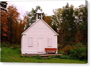 Potter Hollow School House Canvas Print by Karen Silvestri