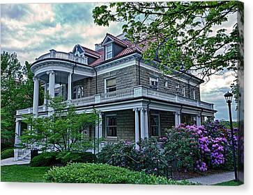 Puritan House Wvu Canvas Print by Dusty Phillips