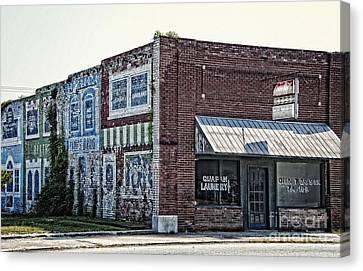 Quapaw Oklahoma On Route 66 Canvas Print by Lee Craig