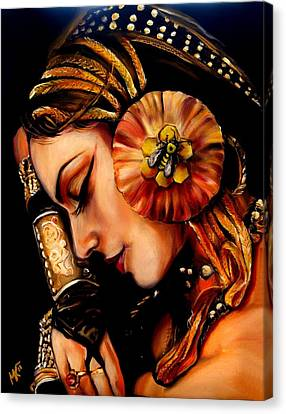 Queen Bee Canvas Print by Em Kotoul