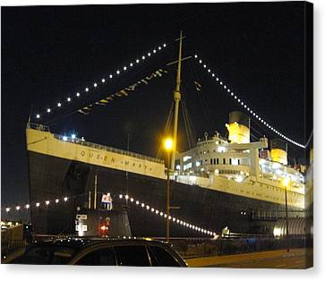 Queen Mary - 12126 Canvas Print by DC Photographer