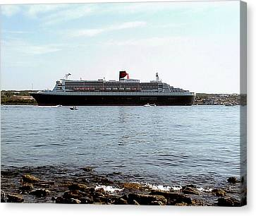 Queen Mary 2 Halifax 2004 Canvas Print by George Cousins
