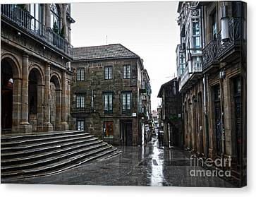 Raining In Pontevedra Canvas Print by RicardMN Photography