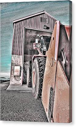 Ready To Work Canvas Print by Don Bendickson