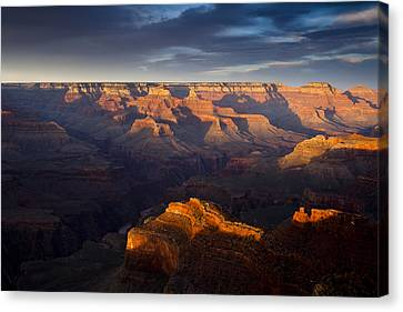 Receding Light At The Canyon Canvas Print by Andrew Soundarajan