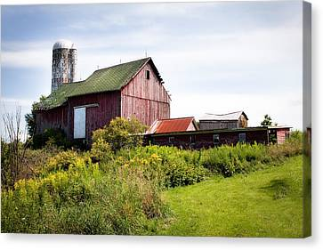 Red Barn In Groton Canvas Print by Gary Heller