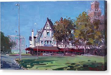 Red Coach Inn Niagara Falls Ny  Canvas Print by Ylli Haruni