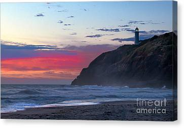 Red Sky At North Head Lighthouse Canvas Print by Robert Bales