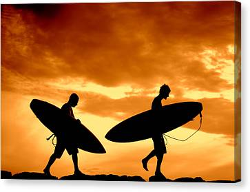 Retro Sunset Surfers  Canvas Print by Mr Doomits