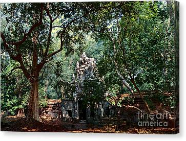 Ruin At Angkor Wat Canvas Print by Julian Cook