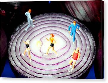 Running On Red Onion Little People On Food Canvas Print by Paul Ge