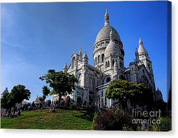 Sacre Coeur On Butte Montmartre Canvas Print by Olivier Le Queinec