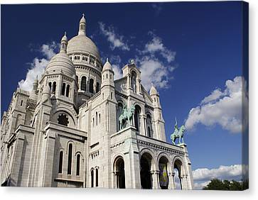 Sacre Coeur Paris Canvas Print by Gary Eason