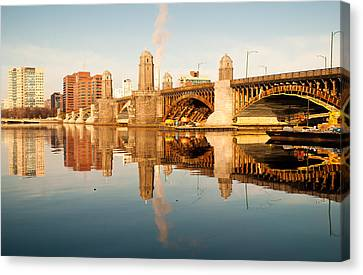 Salt-and-pepper Bridge Canvas Print by Lee Costa