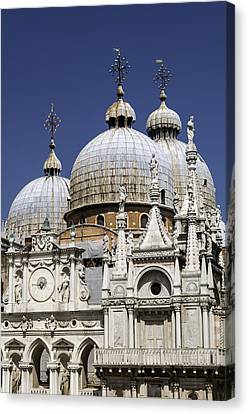 San Marco Basilica. Canvas Print by Fernando Barozza
