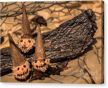 Scarecrow Cupcakes Canvas Print by Iris Richardson