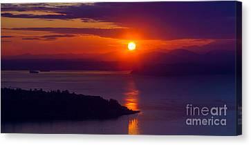 Seattle Fiery Sunset Canvas Print by Mike Reid