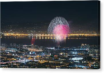Sf Giants Post-game Fireworks Show Canvas Print by David Yu