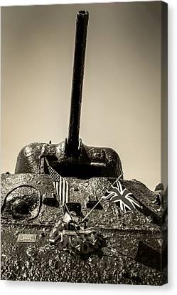 Sherman M4a1 Canvas Print by Chris Smith