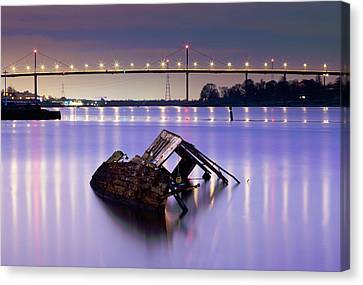 Ship Wreck Canvas Print by Grant Glendinning