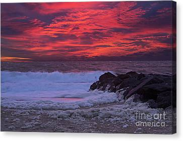 Sky On Fire In Lewes Canvas Print by Robert Pilkington
