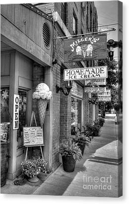 Small Town America 2 Bw Canvas Print by Mel Steinhauer