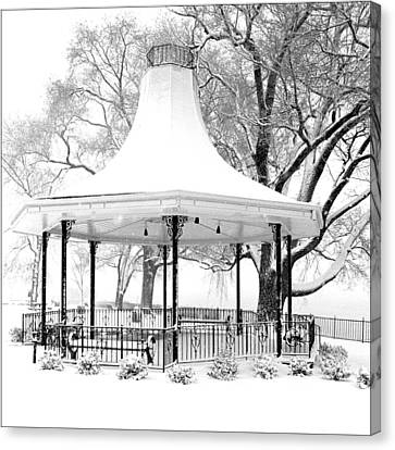 Smothers Park Gazebo Canvas Print by Wendell Thompson