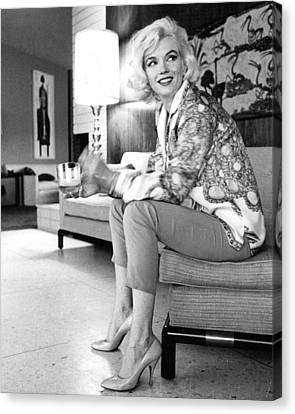 Marilyn Monroe  Canvas Print by Retro Images Archive