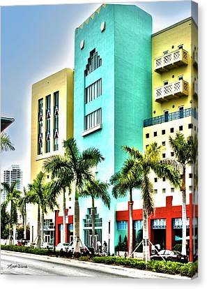 South Beach Canvas Print by Michelle Wiarda