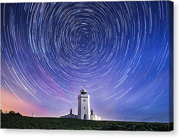 South Foreland Lighthouse.  Canvas Print by Ian Hufton
