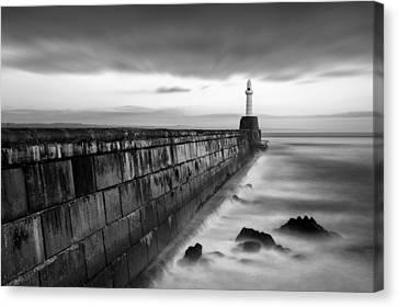 South Pier 1 Canvas Print by Dave Bowman
