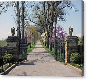 Spendthrift Farm Entrance Canvas Print by Roger Potts