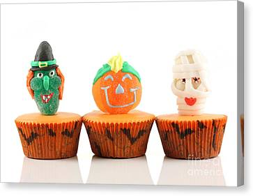 Spooks Cup Cakes On White Background Canvas Print by Simon Bratt Photography LRPS
