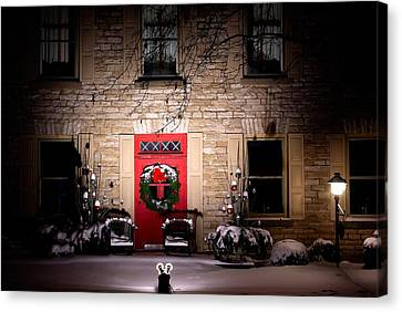 Spotlight On Christmas Canvas Print by Paul Wash