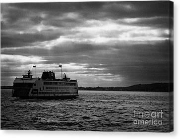 staten island ferry Andrew J Barberi heading towards staten island Canvas Print by Joe Fox